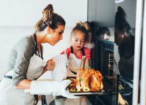 Save energy and money in Georgia when you gather family and friends 'round the turkey!